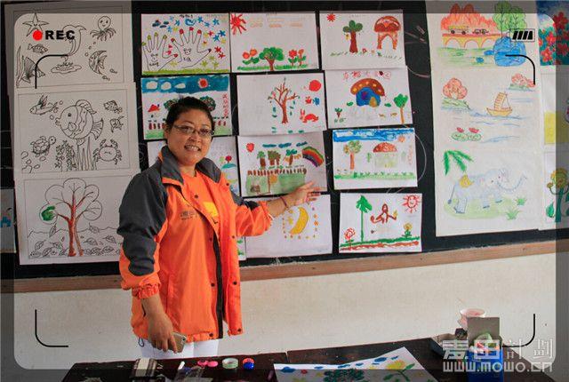 大自然的女儿王老师在二课堂.jpg